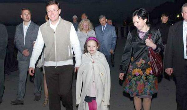 С супругой и младшей дочерью Алёной