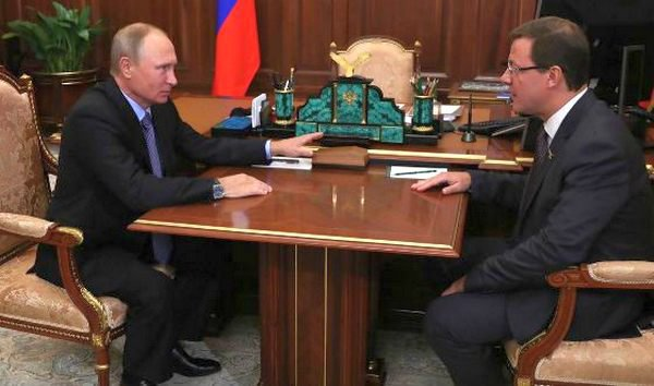 Дмитрий Азаров и Владимир Путин